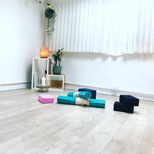 Jade Yoga Mat, Yoga Room Sheung Wan, Yoga Space, Sheung Wan, Hong Kong Yoga, Private yoga class, Gentle Yoga, Beginner Yoga